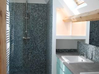 Salle de douche Parents: Salle de bains de style  par carol delecroix