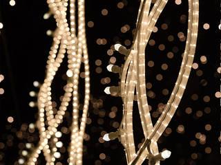 Christmas lights Berlin:  de estilo  de Brut Deluxe Architecture + Design