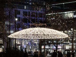 Christmas lights Berlin: Casas de estilo  de Brut Deluxe Architecture + Design