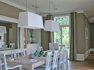 Salas de jantar clássicas por CG VOGEL ARCHITEKTEN Clássico