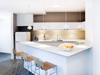 Wohnung in Düsseldorf Moderne Badezimmer von HAACKE Innenarchitekten & Designer Modern