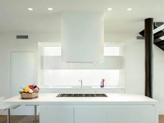 Contemporary Villa Cucina moderna di Luca Girardini - Photos Moderno