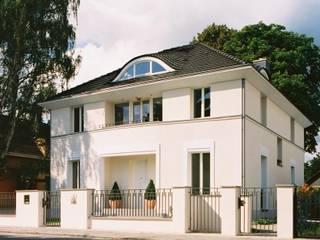 Klassische Villa mit zentraler Halle Klassische Häuser von CG VOGEL ARCHITEKTEN Klassisch