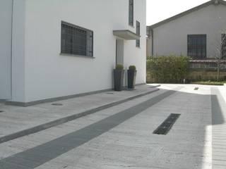 Modern Balkon, Veranda & Teras Studio Pierpaolo Perazzetti Modern