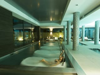Spa en Sha Wellness Clinic: Spa de estilo  de Gunitec Concept Pools