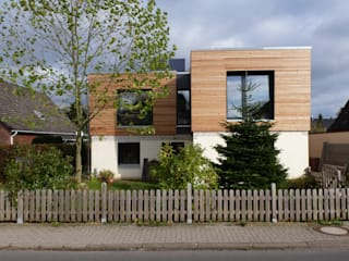 Houses by GRID architektur + design