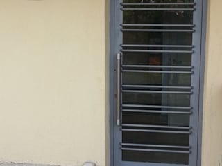 Studio Pierpaolo Perazzetti: modern tarz , Modern