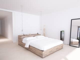 Chambre moderne par DUE Architecture & Design Moderne
