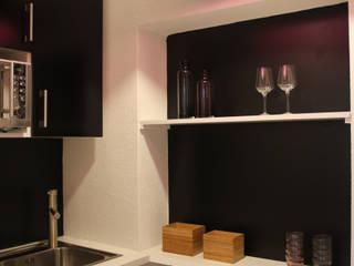 Apartment L02:  Wohnzimmer von Holzer & Friedrich GbR