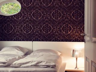Modern style bedroom by Heike Gebhard Wohnen Modern