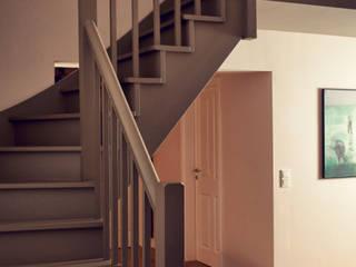 Heike Gebhard Wohnen Couloir, entrée, escaliers modernes