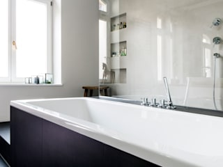 Bathroom by BESPOKE GmbH // Interior Design & Production, Modern