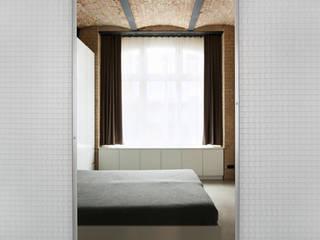 Wabenpaneel-Schiebetür WP00:   von KUHN GmbH