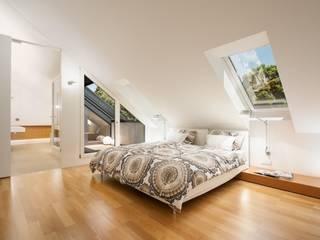 Dachloft Klassische Schlafzimmer von innenarchitektur-rathke Klassisch