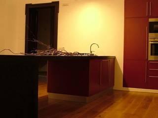 Modern style kitchen by sebastiano canzano architetto Modern