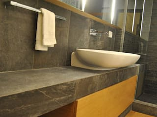 Modern style bathrooms by sebastiano canzano architetto Modern