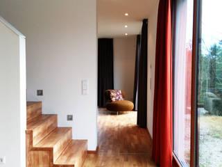 Modern Corridor, Hallway and Staircase by Architekturbüro HOFFMANN Modern