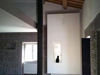 em_house Soggiorno in stile rustico di maurizio pappalardo romina fava Rustico