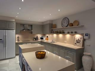 Cucina in stile  di Originals Interiors