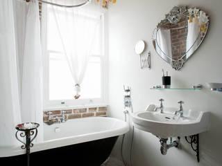 Baños de estilo  por MDSX Contractors Ltd