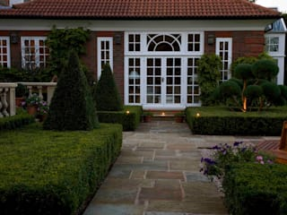 Traditional & Classic Classic style houses by Garden Landscape Design Classic