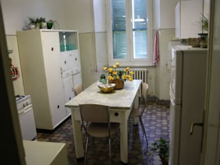 cicina: Sala da pranzo in stile  di Serena Barison Architetto