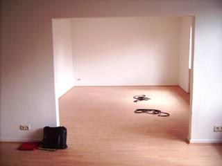 Praxis für Wohlfühlmassagen Tropische Küchen von Interiordesign - Susane Schreiber-Beckmann gestaltet Räume. Tropisch