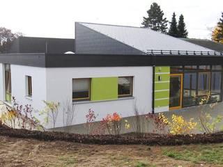 學校 by Architekturbüro HOFFMANN