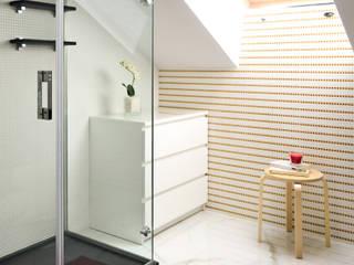 Blanco sobre blanco Baños de estilo escandinavo de TEKNIA ESTUDIO Escandinavo