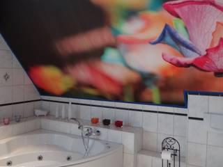 Eclectic style bathroom by Interiordesign - Susane Schreiber-Beckmann gestaltet Räume. Eclectic