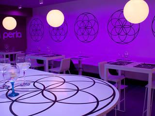 La Perla: Locales gastronómicos de estilo  de Quino Prades
