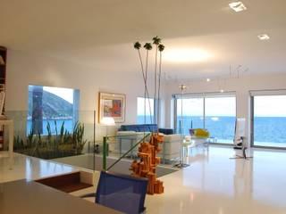 Unifamiliar Moraira: Salones de estilo  de Tono Lledó Estudio de Interiorismo en Alicante , Moderno