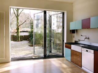Sliding doors by and8 Architekten Aisslinger + Bracht, Scandinavian