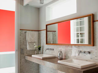 Modern bathroom by Ines Benavides Modern