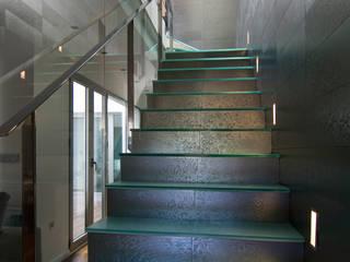 Moderner Flur, Diele & Treppenhaus von AZ Diseño Modern