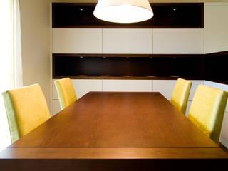 Comedor de estilo  por Blank Interiors