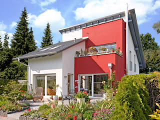 Classic style houses by b2 böhme BAUBERATUNG Classic