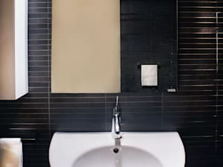 Villa Luce_Apartment B Modern style bathrooms by OPERASTUDIO Modern