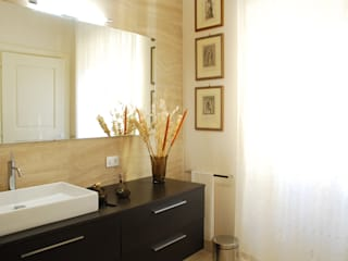 Villa Luce_Apartment D Rustic style bathrooms by OPERASTUDIO Rustic