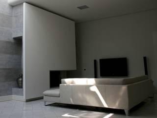 Appartamento L Soggiorno moderno di kuluridis Moderno