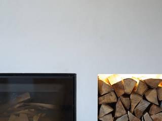 APPARTAMENTO IN MONTAGNA Soggiorno moderno di MIDE architetti Moderno