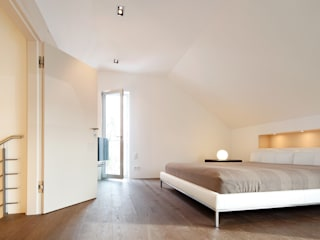 Modern style bedroom by WSM ARCHITEKTEN Modern