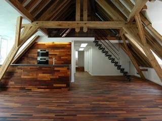 Dachgeschossausbau:  Küche von Spaett Architekten GmbH