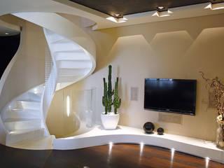 Casa AXL Soggiorno moderno di Enrico Muscioni Architect Moderno