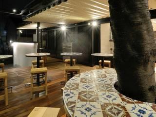 Bun Café - 外部・テラス席: MoMo. Co., Ltd.が手掛けたレストランです。