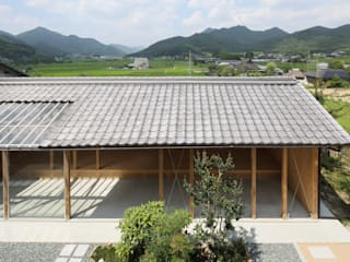 Country style garage/shed by eu建築設計 Country
