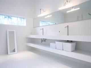 Marike maatwerk Pulse in project Bergen Moderne badkamers van Marike Modern