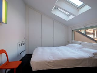 Bedroom by Calzoni architetti