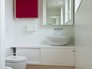 Bathroom by Calzoni architetti