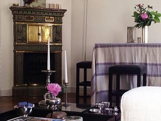 Rue de Perignon, Paris: Salon de style  par Lichelle Silvestry Interiors